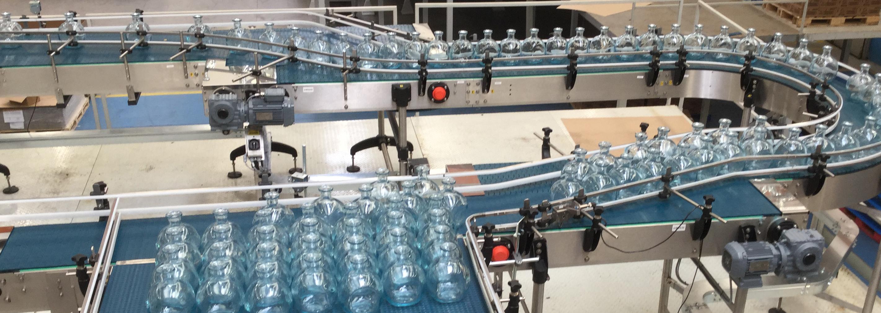 linea di bottiglie